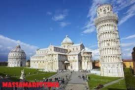 Menara Miring Pisa, Menara Lonceng Katedral